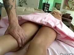 Chick gets salacious drilling till jizz flow spews on her cunt